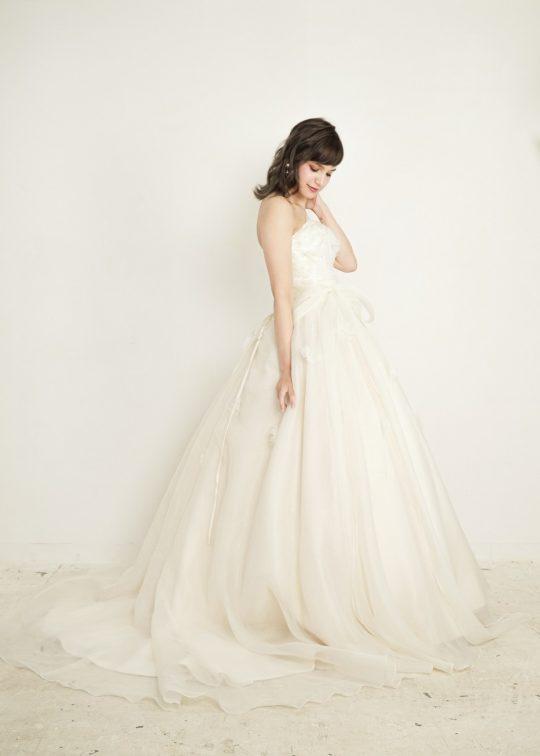 1.5次会 2次会 ウエディングドレス プリンセス キュート かわいい 花 カジュアル